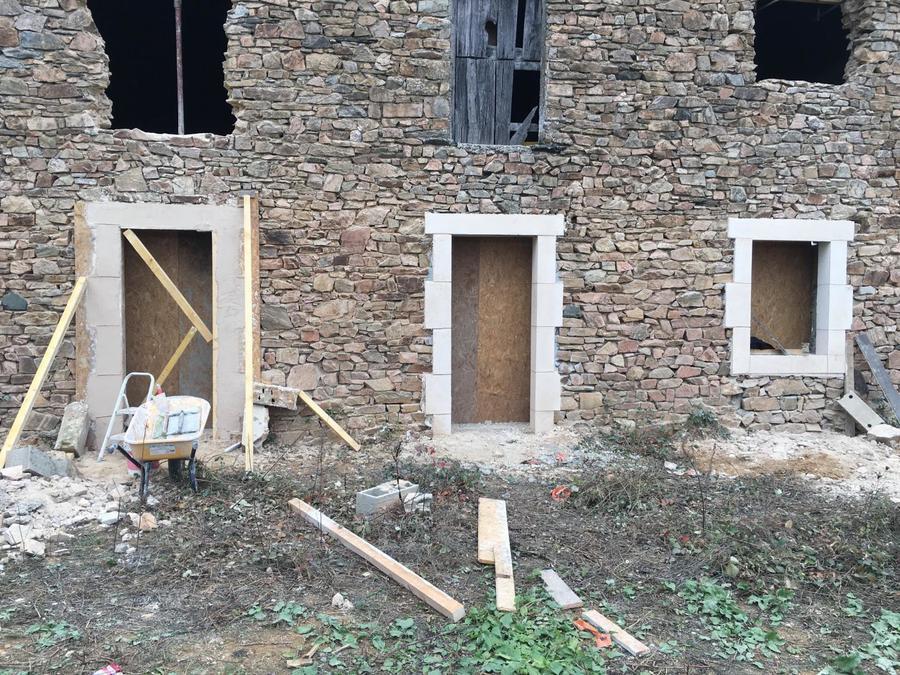 http://www.ambiancerenovation-brive.fr/wp-content/uploads/2017/05/maconnerie_demolition.jpg
